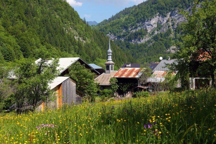  Le hameau du Fay au printemps