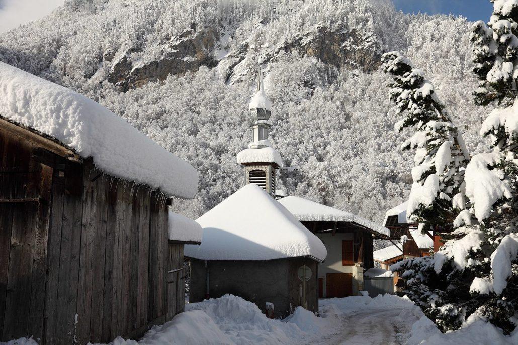  La chapelle du Fay sous la neige
